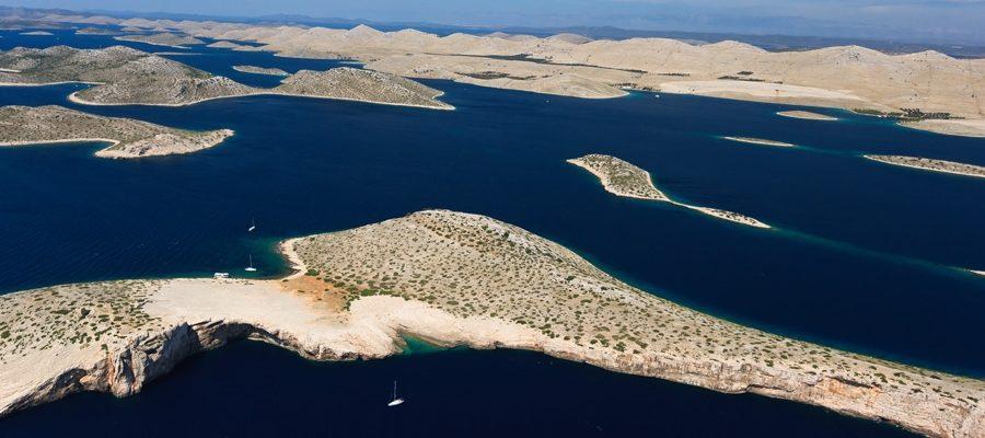 Scopri l'arcipelago delle Incoronate e naviga lungo uno dei più belli paesaggi naturali
