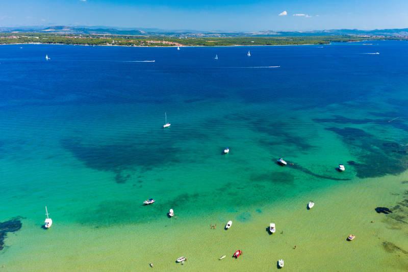 island-pasman-charter-novak-beach.jpg