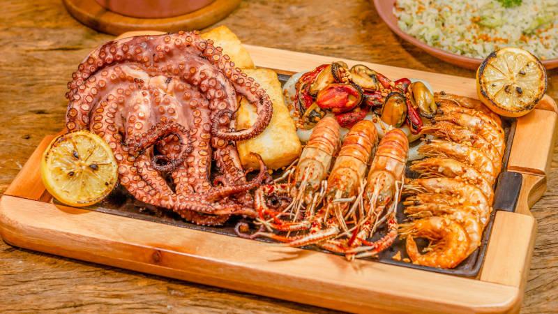 island-pasman-charter-novak-food.jpg