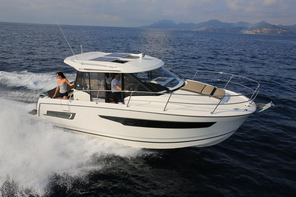Merry Fisher 895, AQUILA with AC shore power