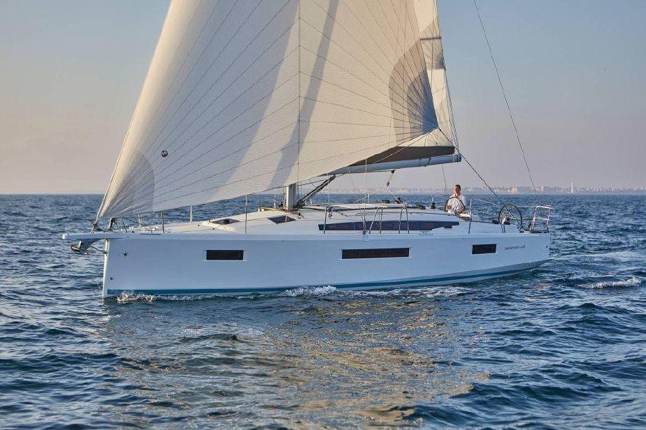 Sun Odyssey 410, LYRA