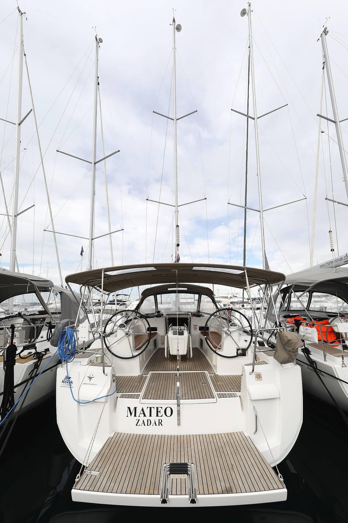 Sun Odyssey 469, Mateo